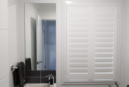 bathroom shutter at parrearra