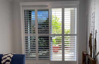 sliding door white shutters in bli bli